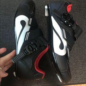 Women's Peloton shoes size 39 ( FITS SIZE 8)